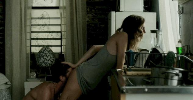 Beijo-Grego-Allison-Williams-Marnie-Michaels-